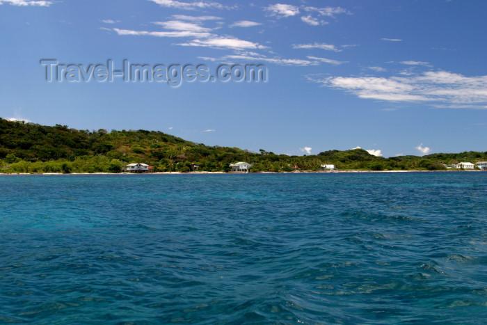 honduras18: Honduras - Roatán island: blue skies, blue sea - photo by C.Palacio - (c) Travel-Images.com - Stock Photography agency - Image Bank
