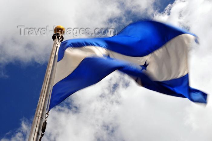 honduras3: Tegucigalpa, Honduras: flag at Plaza San Martin - Colonia Palmira - photo by M.Torres - (c) Travel-Images.com - Stock Photography agency - Image Bank