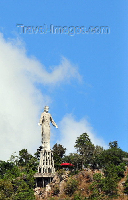 honduras31: Tegucigalpa, Honduras: Statue of Jesus Christ in El Picacho City Park - photo by M.Torres - (c) Travel-Images.com - Stock Photography agency - Image Bank