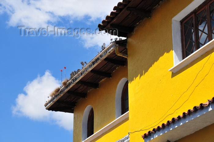 honduras32: Tegucigalpa, Honduras: the colorful houses of Tepaz - Paseo La Leona - photo by M.Torres - (c) Travel-Images.com - Stock Photography agency - Image Bank