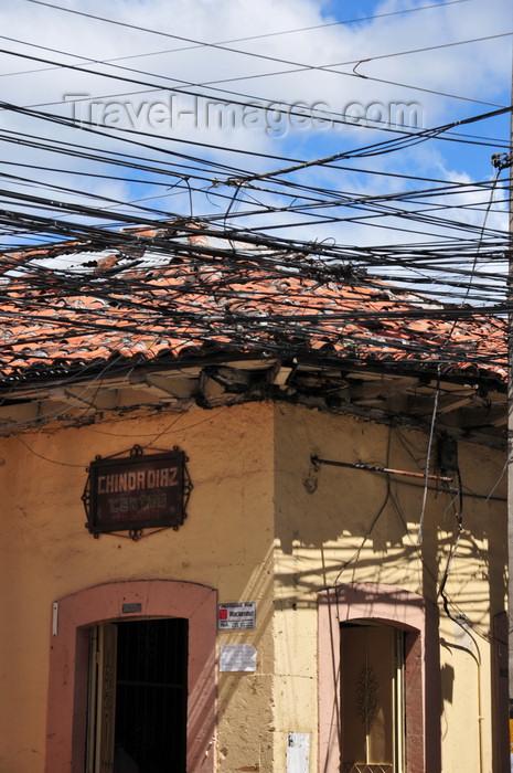 honduras36: Tegucigalpa, Honduras: colonial house and cables - Av Miguel de Cervantes- Calle Hipolito Matute - photo by M.Torres - (c) Travel-Images.com - Stock Photography agency - Image Bank