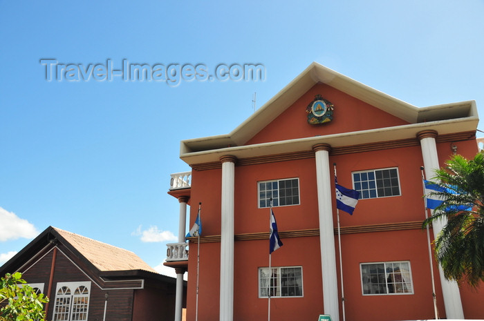honduras44: Tegucigalpa, Honduras: public building with Central American flags - photo by M.Torres - (c) Travel-Images.com - Stock Photography agency - Image Bank