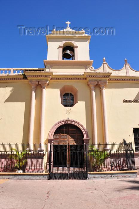 honduras46: Tegucigalpa, Honduras: Marced church - Iglesia de la Merced, by the Galeria Nacional de Arte - Parque la Merced - photo by M.Torres - (c) Travel-Images.com - Stock Photography agency - Image Bank