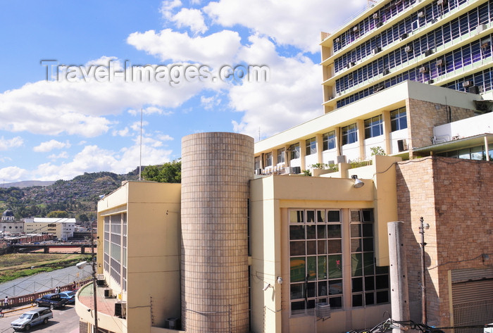 honduras50: Tegucigalpa, Honduras: building of the Central Bank of Honduras - Banco central de Honduras - photo by M.Torres - (c) Travel-Images.com - Stock Photography agency - Image Bank