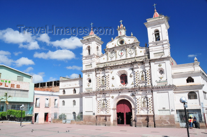 honduras74: Tegucigalpa, Honduras: Dolores church - iglesia de la Virgen de los Dolores - barroque architecture - photo by M.Torres - (c) Travel-Images.com - Stock Photography agency - Image Bank