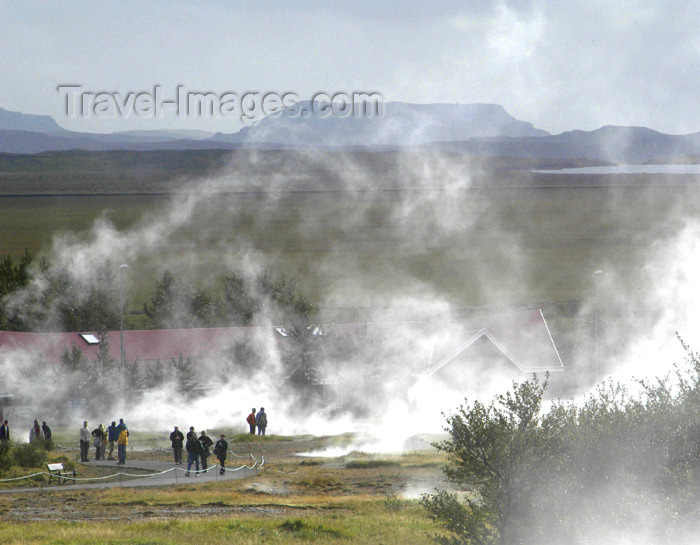 iceland63: Iceland, Geyser: fumaroles and people fascinated by volcanism - photo by B.Cain - (c) Travel-Images.com - Stock Photography agency - Image Bank