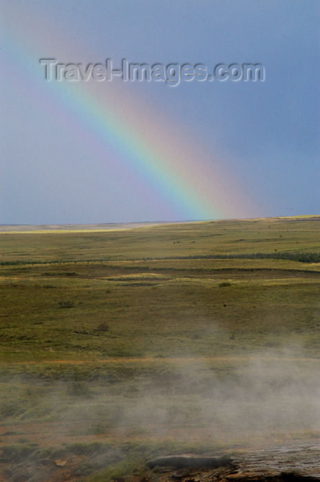 iceland83: Iceland Rainbow near Geyser - Haukadalur valley - photo by W.Schipper - (c) Travel-Images.com - Stock Photography agency - Image Bank