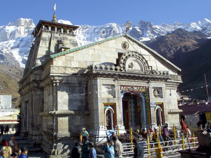 india132: India - Garhwal (Uttaranchal state): Hindu shrine of Kedarnath in the Himalayas (photo by Rod Eime) - (c) Travel-Images.com - Stock Photography agency - Image Bank