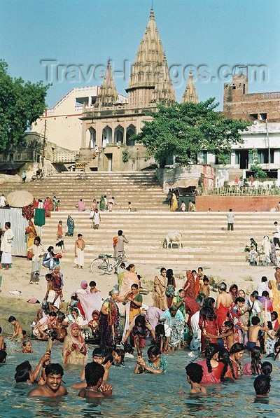 india200: India - Varanasi / Benares (Uttar Pradesh): enjoying the Ganges / Ganga (photo by J.Kaman) - (c) Travel-Images.com - Stock Photography agency - Image Bank