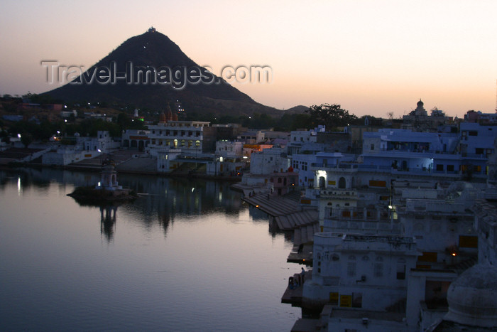 india212: Pushkar, India, Rajasthan: waterfront at dusk - Nawal Sagar artificial lake - photo by M.Wright - (c) Travel-Images.com - Stock Photography agency - Image Bank