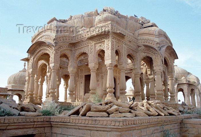 india217: India - Jaisalmer: Rajasthani architecture - golden-yellow sandstone - photo by J.Kaman - (c) Travel-Images.com - Stock Photography agency - Image Bank