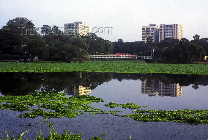 india226: India - Calcutta / Kolkata (West Bengal): skyline and water - photo by Anamit Sen - (c) Travel-Images.com - Stock Photography agency - Image Bank