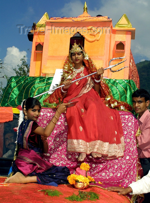 india239: India - Narendranager (Uttaranchal): girl dressed as deity - festival of Navaratri (photo by Rod Eime) - (c) Travel-Images.com - Stock Photography agency - Image Bank