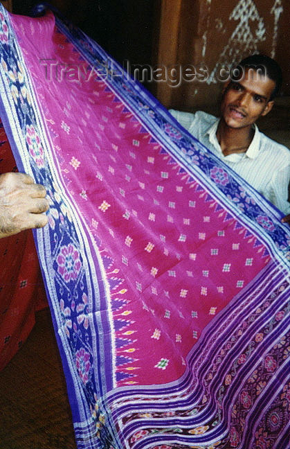 india255: India - Nuapatna - Orissa: the double-Ikat silk cloth design - photo by G.Frysinger - (c) Travel-Images.com - Stock Photography agency - Image Bank