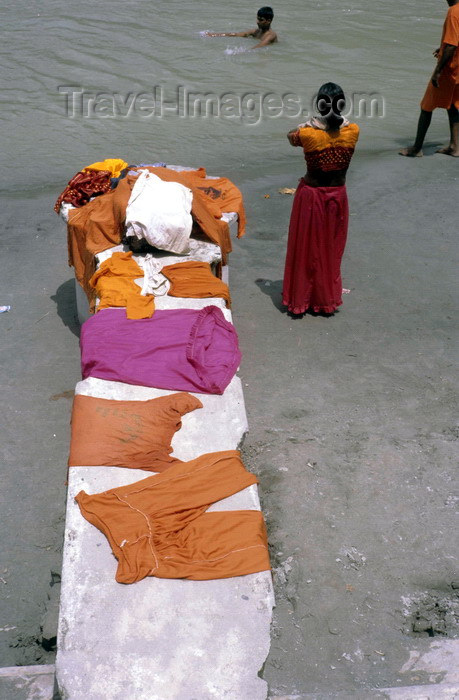 india289: India - Uttaranchal - Rishikesh: clothes of pilgrims bathing in the Ganges - photo by W.Allgöwer - (c) Travel-Images.com - Stock Photography agency - Image Bank