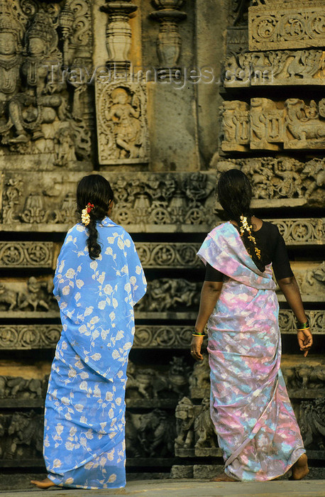 india299: India - Belur (Karnataka): women at Chennakeshava temple - photo by W.Allgöwer - (c) Travel-Images.com - Stock Photography agency - Image Bank