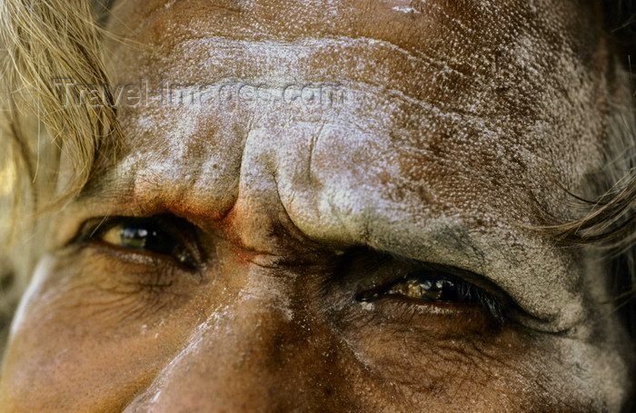india303: South India: eyes of a Sadhu - face close-up - photo by W.Allgöwer - (c) Travel-Images.com - Stock Photography agency - Image Bank