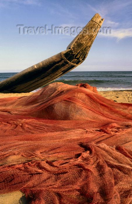 india305: India - Tamil Nadu - Coromandel Coast: fishing nets on the beach - photo by W.Allgöwer - - (c) Travel-Images.com - Stock Photography agency - Image Bank