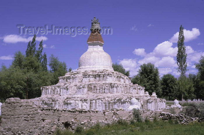 india312: India - Ladakh - Jammu and Kashmir: stupa - religion - Buddhism - photo by W.Allgöwer - (c) Travel-Images.com - Stock Photography agency - Image Bank