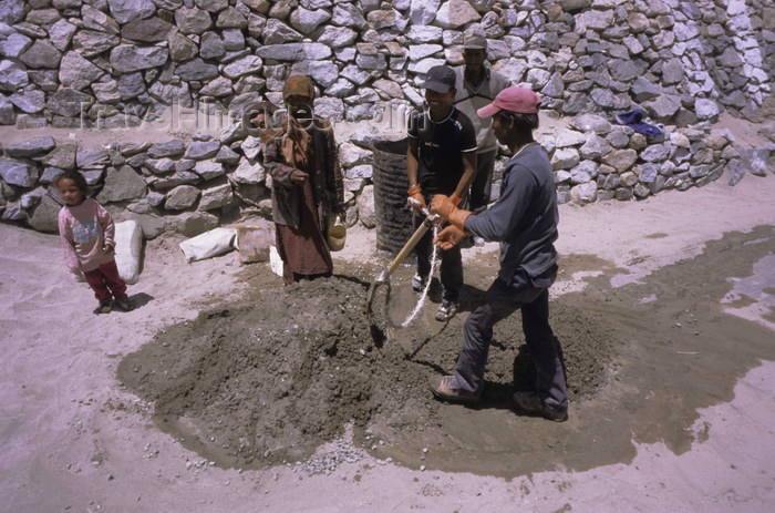 india315: India - Ladakh - Jammu and Kashmir: construction workers preparing mortar - photo by W.Allgöwer - (c) Travel-Images.com - Stock Photography agency - Image Bank