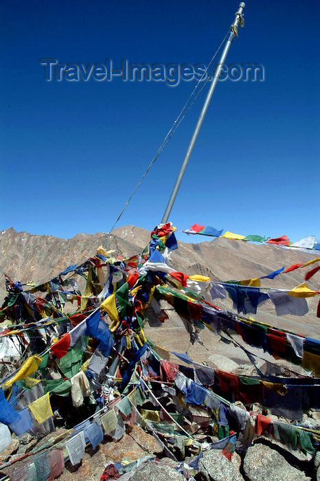india341: India - Ladakh - Jammu and Kashmir: cairn and prayer flags - photos of Asia by Ade Summers - (c) Travel-Images.com - Stock Photography agency - Image Bank
