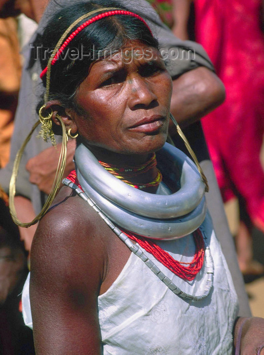 india364: Orissa: woman of the Kondh tribe with typical jewels and clothes - photo by E.Petitalot - (c) Travel-Images.com - Stock Photography agency - Image Bank
