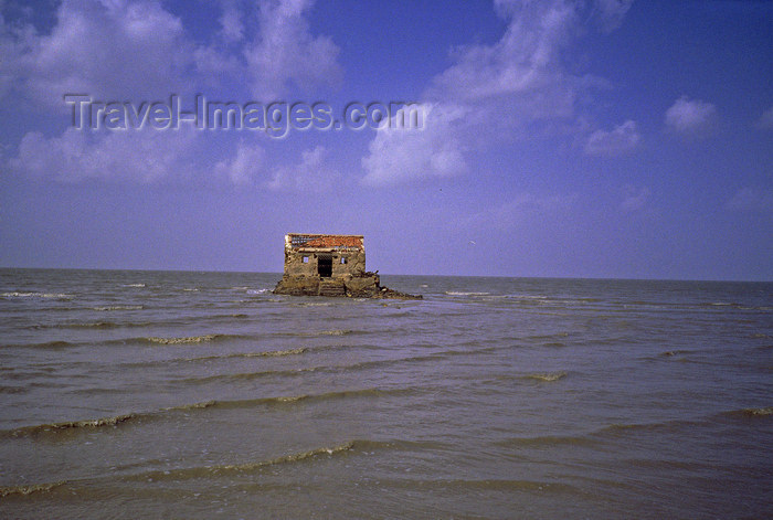 india374: India - Gujarat: the coast of after a tsunami - isolated house ruins - photo by E.Petitalot - (c) Travel-Images.com - Stock Photography agency - Image Bank