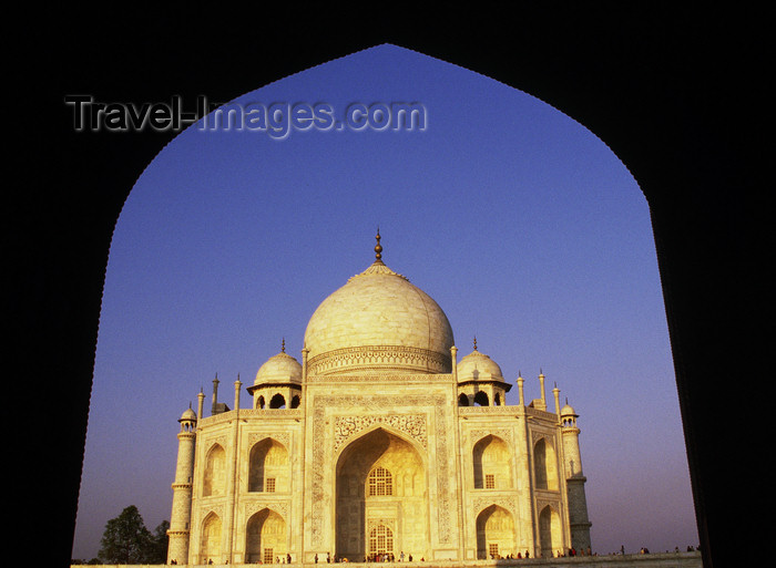 india383: India - Agra, Uttar Pradesh: Taj Mahal - the golden light of the late afternoon - photo by E.Petitalot - (c) Travel-Images.com - Stock Photography agency - Image Bank