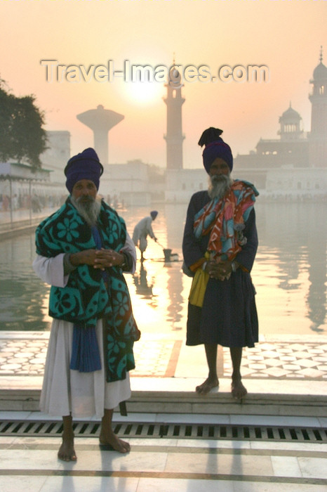 india426: Amritsar, Punjab, India: Golden temple complex - Sikh man in classical attire - photo by J.Cave - (c) Travel-Images.com - Stock Photography agency - Image Bank