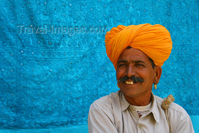 india445: Jodhpur, Rajasthan, India: man with handlebar moustache and turban - photo by M.Wright - (c) Travel-Images.com - Stock Photography agency - Image Bank