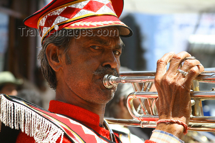 india446: Jodhpur, Rajasthan, India: brass band musician - photo by M.Wright - (c) Travel-Images.com - Stock Photography agency - Image Bank