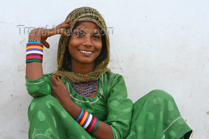 india447: Pushkar, Rajasthan, India: smiling young woman - photo by M.Wright - (c) Travel-Images.com - Stock Photography agency - Image Bank