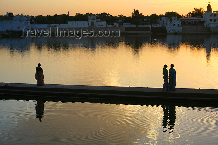 india458: Pushkar, Rajasthan, India: walking by the water- photo by M.Wright - (c) Travel-Images.com - Stock Photography agency - Image Bank
