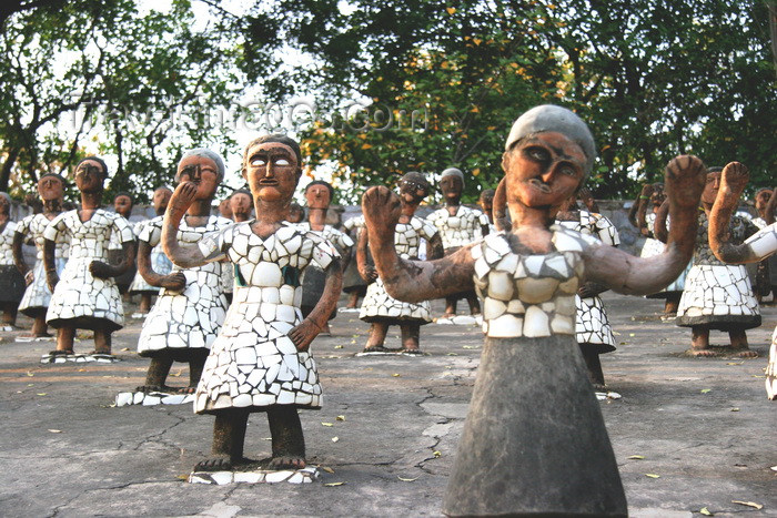 india462: Chandigarh - India: the Rock Gardens - sculptures by Nek Chand Saini - dancers - photo by J.Cave - (c) Travel-Images.com - Stock Photography agency - Image Bank
