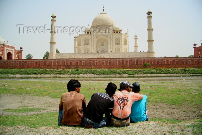 india485: Agra, Uttar Pradesh, India: view from the back of the Taj Mahal - photo by G.Koelman - (c) Travel-Images.com - Stock Photography agency - Image Bank