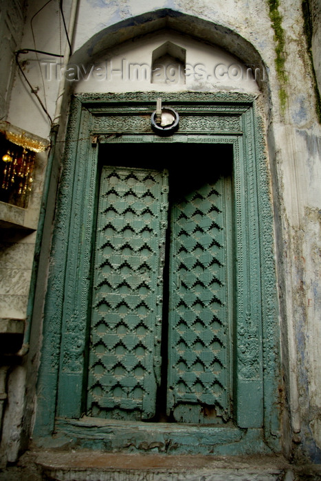 india495: New Delhi, India: Old City - carved door - photo by G.Koelman - (c) Travel-Images.com - Stock Photography agency - Image Bank