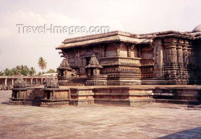 india51: India - Belur: temple - religion - Hinduism (photo by Miguel Torres) - (c) Travel-Images.com - Stock Photography agency - Image Bank