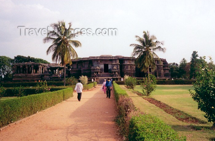 india52: India - Halebeed: garden  (photo by Miguel Torres) - (c) Travel-Images.com - Stock Photography agency - Image Bank