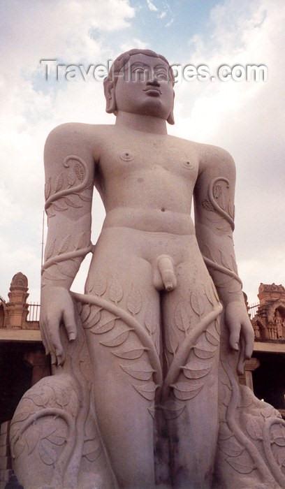 india55: India - Sravanabelagola / Shravana Belgola: 17m monolithic statue of Jina Vardhamana Mahavira at a Jaina temple (photo by Miguel Torres) - (c) Travel-Images.com - Stock Photography agency - Image Bank