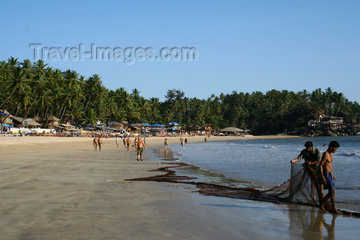 india66: India - Goa: fishermen on Palolem Beach - photo by M.Wright - (c) Travel-Images.com - Stock Photography agency - Image Bank