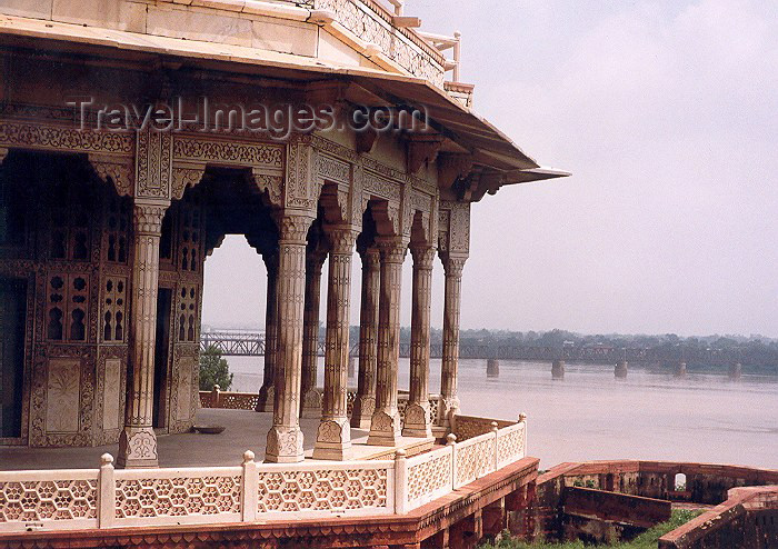 india7: India - Agra (Uttar Pradesh): veranda over the Yamuna / Jumna river (photo by Miguel Torres) - (c) Travel-Images.com - Stock Photography agency - Image Bank