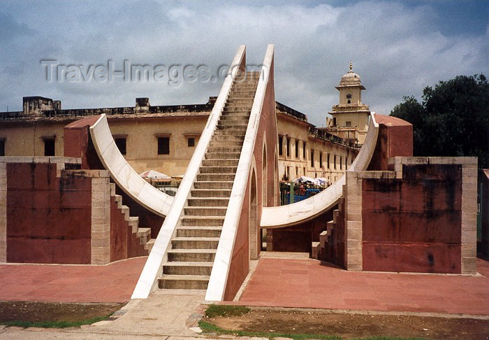 india8: India - Jaipur (Rajasthan): Observatory of Mahraja Jai Singh II - photo by M.Torres - (c) Travel-Images.com - Stock Photography agency - Image Bank