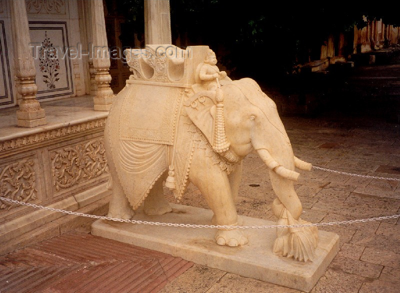 india84: India - Rajasthan: marble elephant - photo by M.Torres - (c) Travel-Images.com - Stock Photography agency - Image Bank