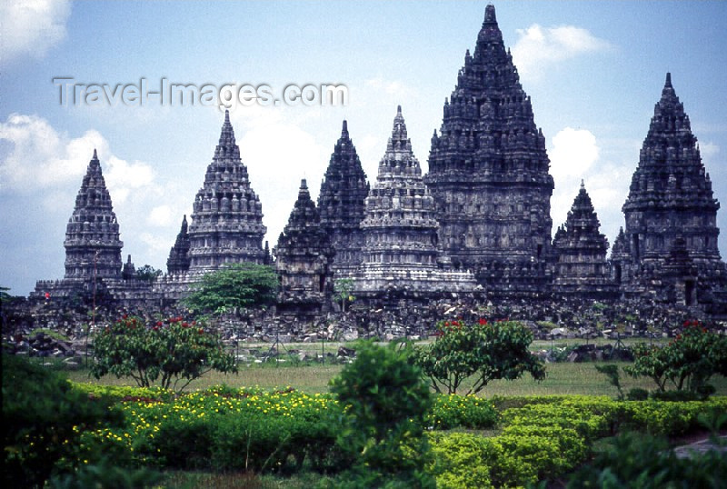 indonesia14: Java - Prambanan temples: thinking of Angkor Wat - Hindu temple - Unesco world heritage site - photo by M.Sturges - (c) Travel-Images.com - Stock Photography agency - Image Bank