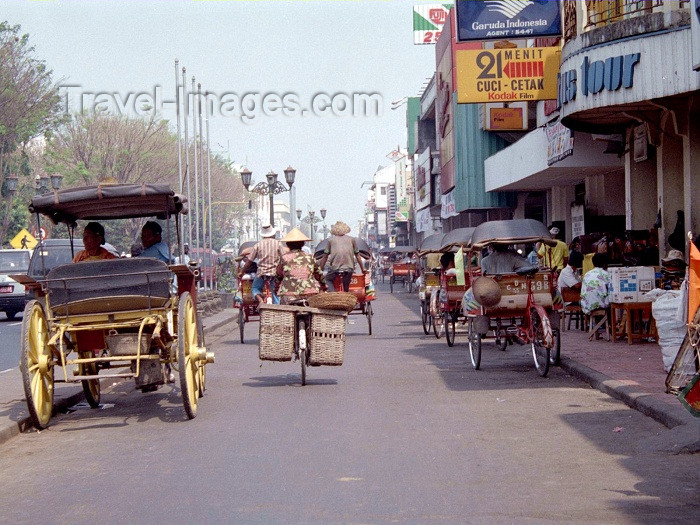 indonesia32: Indonesia - Java - Yogyakarta: on Jalan Malioboro - photo by M.Bergsma - (c) Travel-Images.com - Stock Photography agency - Image Bank