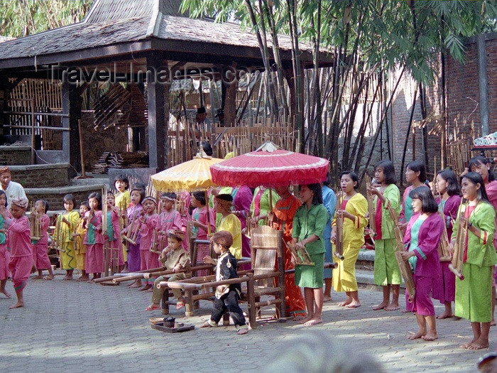 indonesia34: Indonesia - Java - Bandung: Anklung School - photo by M.Bergsma - (c) Travel-Images.com - Stock Photography agency - Image Bank