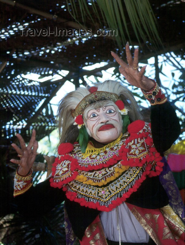 indonesia8: Indonesia - Bali: mask - story teller at temple festival (photo by Mona Sturges) - (c) Travel-Images.com - Stock Photography agency - Image Bank