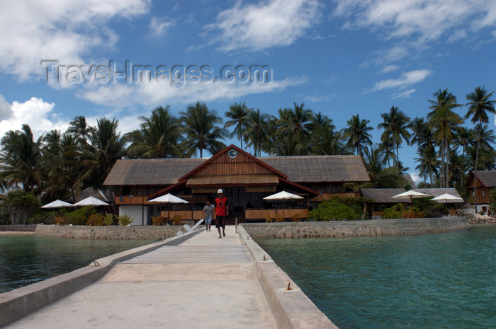 indonesia89: Pulau Tolandono, Wakatobi archipelago, Tukangbesi Islands, South East Sulawesi, Indonesia: Jetty in Wakatobi dive resort - Banda Sea - Wallacea - photo by D.Stephens - (c) Travel-Images.com - Stock Photography agency - Image Bank