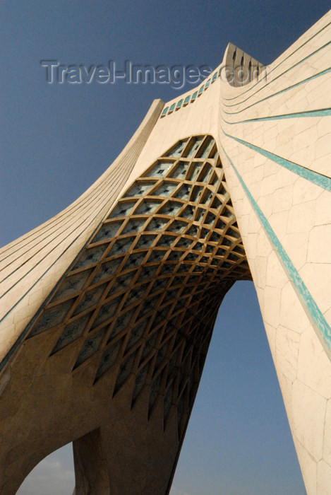 iran121: Iran - Tehran - Shahyaad or Freedom Monument - Azadi square - photo by M.Torres - (c) Travel-Images.com - Stock Photography agency - Image Bank
