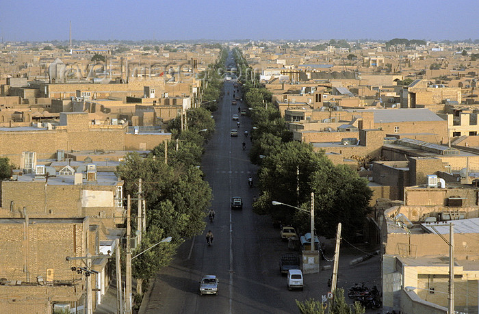 iran131: Iran - Yazd: view from a minaret - avenue leading to the Dasht-e Kavir desert - clay brick architecture - photo by W.Allgower - (c) Travel-Images.com - Stock Photography agency - Image Bank